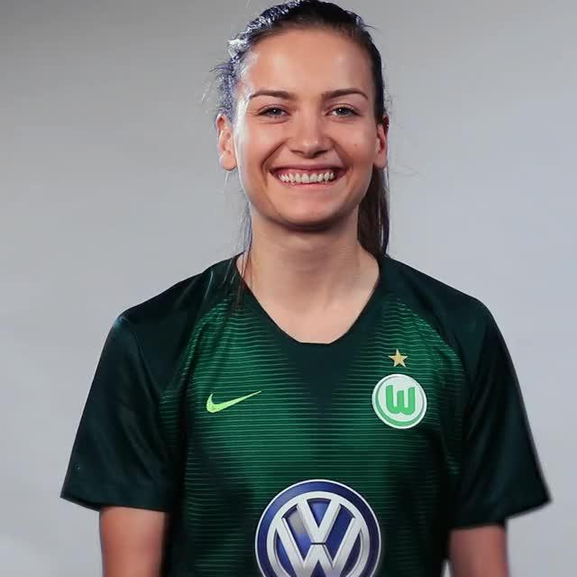 Watch Joelle Wedemeyer - Fahne China GIF by VfL Wolfsburg (@vflwolfsburg) on Gfycat. Discover more related GIFs on Gfycat