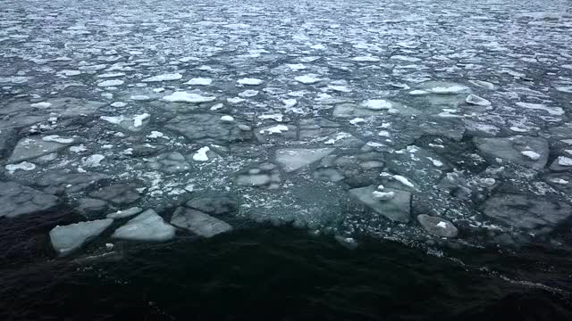 Watch Erie Ice Flow Loop GIF by @seth5626 on Gfycat. Discover more cold, ice, lake erie, loop, mesmerizing, snow, waves, winter GIFs on Gfycat