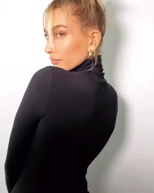 Watch and share Hailey Baldwin GIFs by Yoko on Gfycat