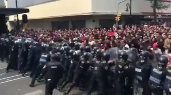 Watch and share Rompen Cerco Policíaco Y De Granaderos En 20 De Noviembre #CDMX @ManceraMiguelMX GIFs on Gfycat