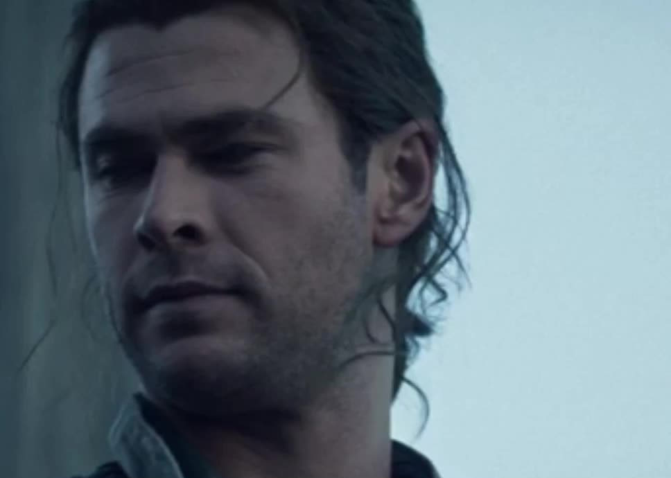 off you go, wink, The Huntsman: Winter's War - Chris Hemsworth: wink, go on GIFs