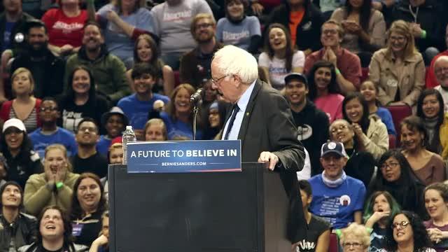 Watch Bird hops up on Bernie Sanders' podium GIF by @cincodenada on Gfycat. Discover more animalsbeingbros, bernie sanders, bird GIFs on Gfycat