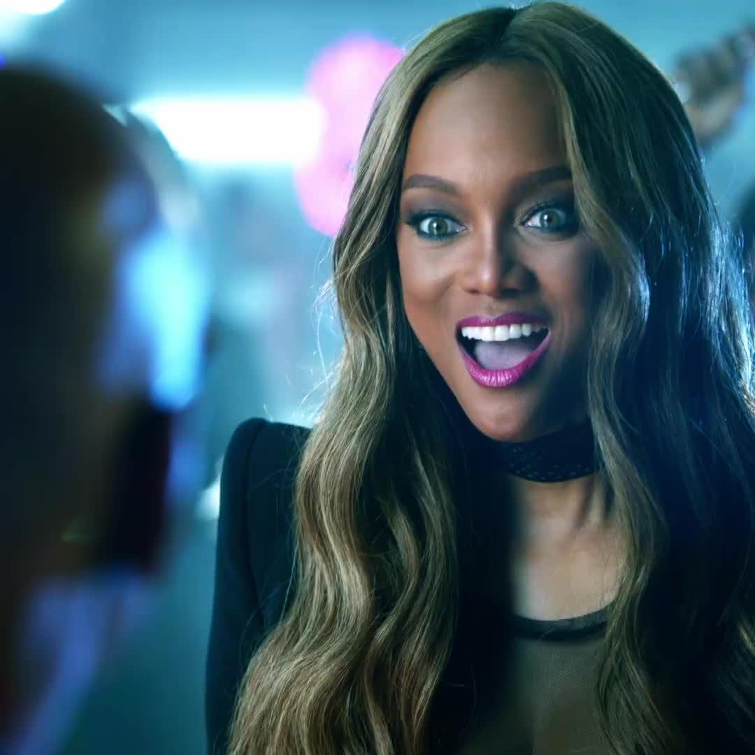 Tyra Banks rạng rỡ với đủ biểu cảm trong trailer chính thức của Americas Got Talent