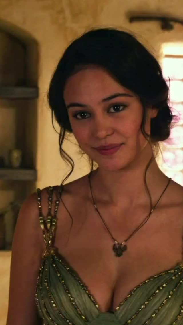 Watch and share Courtney Eaton Gods Of Egypt  2016 GIFs on Gfycat