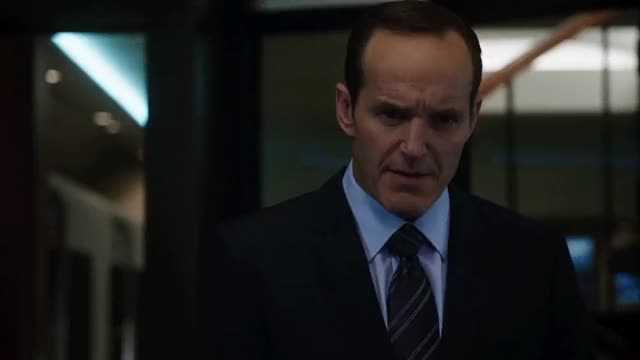 Watch and share Clark Gregg GIFs by drmacinyasha on Gfycat