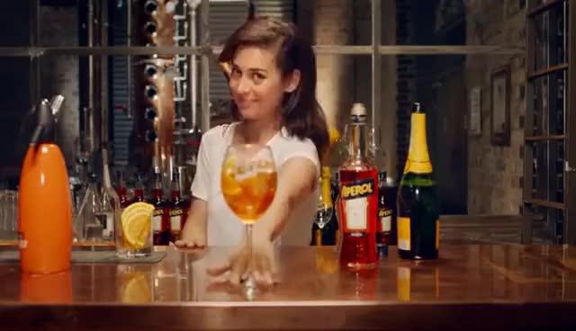 Watch Aperol Spritz Receita Como fazer o coquetel perfeito Aperol Spritz GIF on Gfycat. Discover more related GIFs on Gfycat
