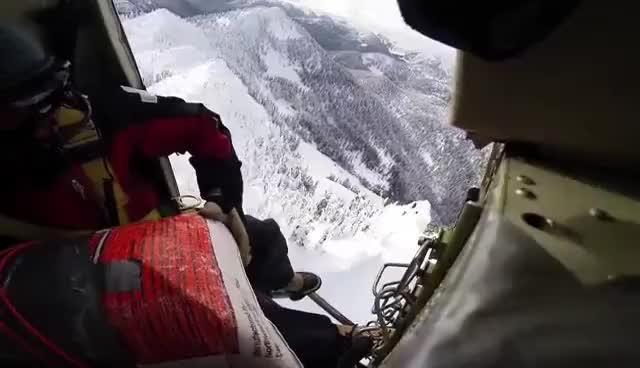 Massive Avalanche above Stevens Pass - Avalanche Control