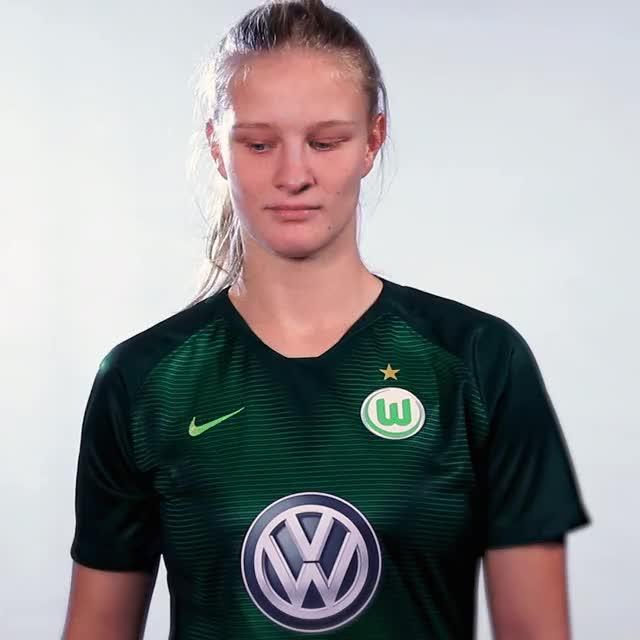 Watch and share 02 FlagJAM GIFs by VfL Wolfsburg on Gfycat