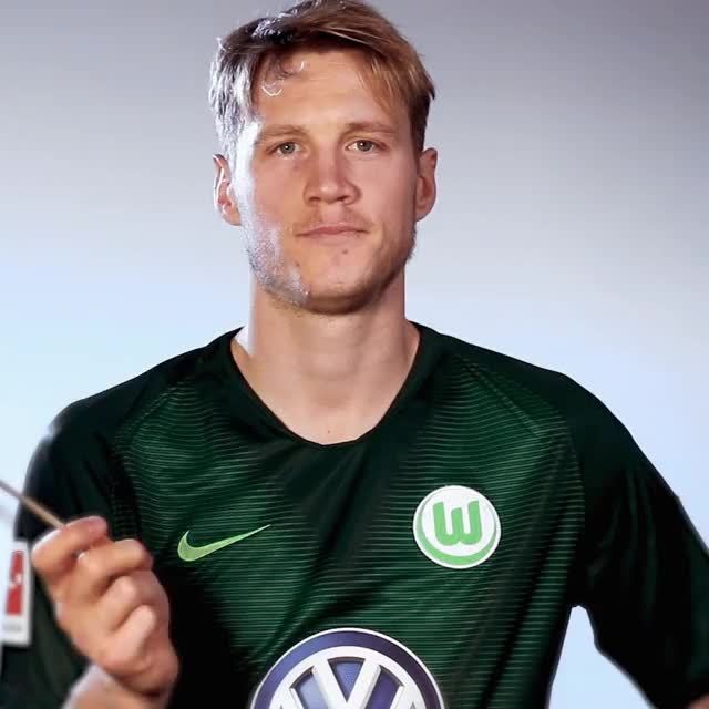 Watch and share 9 Flag Europa GIFs by VfL Wolfsburg on Gfycat