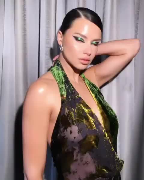 Adriana Lima, Major Glow GIFs