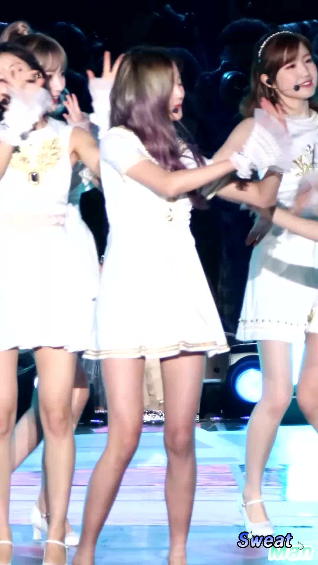 iz*one, izone, kpop, wonyoung, 190428 아이즈원(IZ ONE) 장원영(Jang Wonyoung) - 하늘위로(UP) @광주 Super Concert 직캠(FANCAM) BY 땀맨(SweatMan) GIFs
