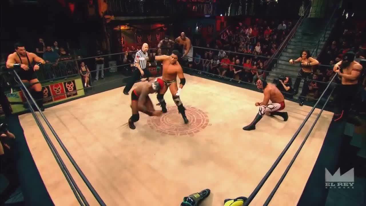 LuchaUnderground, SquaredCircle, luchaunderground, Lucha Underground - Killshot hits an explosive double knee strike! GIFs
