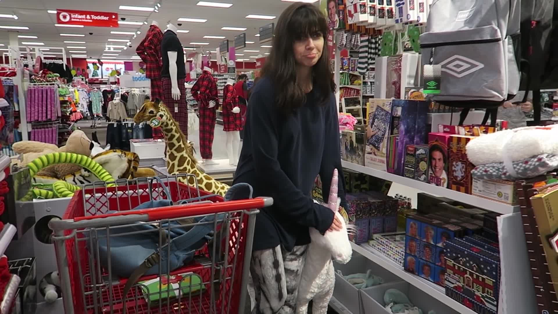 People & Blogs, k8, kaitlin witcher, kaitlinwitcher, kate, piddleass, vlogger, vlogging, vlogs, witcher, I'm back here again - Vlogmas Day 8 GIFs