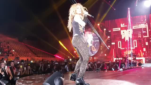 Watch and share Shakira - Chantaje - Barcelona GIFs by jazzarooney on Gfycat