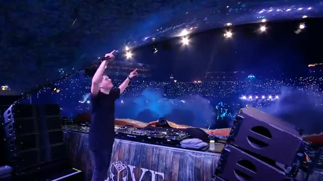 Watch and share Hardwell GIFs and Animals GIFs on Gfycat