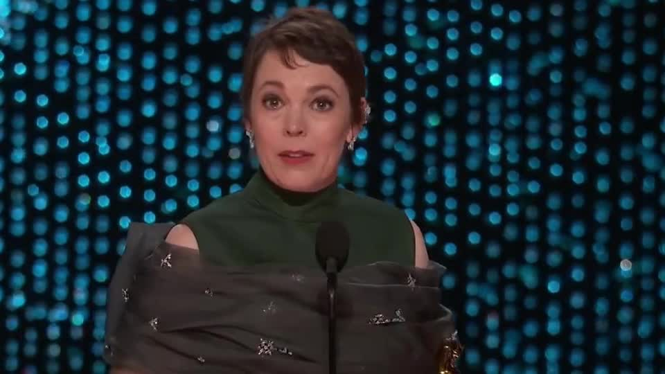 actress, awkward, bs, bullshit, colman, epic, favorite, fun, funny, hilarious, lead, lol, make, movie, olivia, oscar, oscars, oscars 2019, speech, tongue, Olivia Colman Accepts the Oscar for Lead Actress GIFs