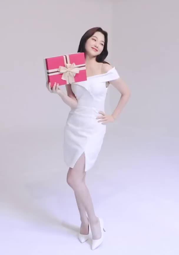 Watch and share Kang Mina GIFs and Gugudan GIFs by llikebread on Gfycat