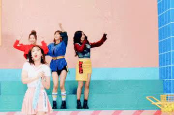Nayeon, Twice, kpop, twice jeongyeon GIFs