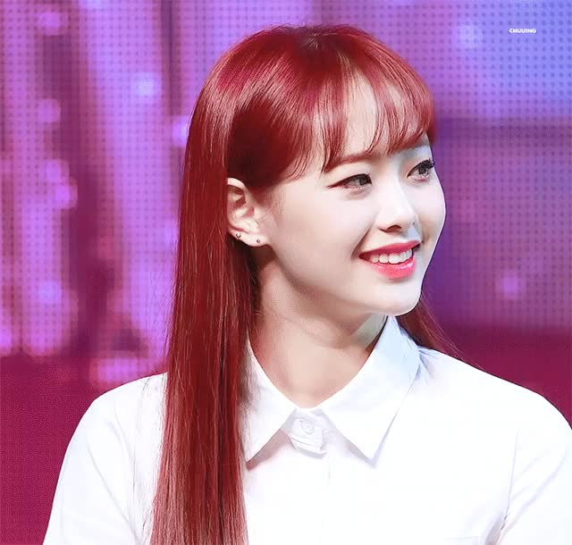 Watch Chuu GIF by peeemp (@pimpbot9000) on Gfycat. Discover more LOONA, chuu, kpop GIFs on Gfycat