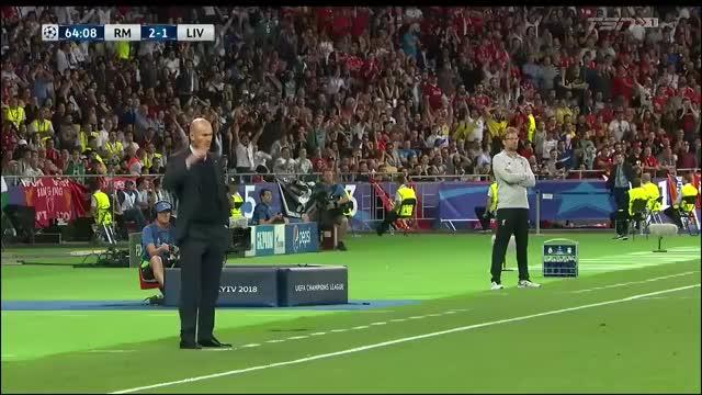Watch and share Champions League GIFs and Zinedine Zidane GIFs by gfymon on Gfycat