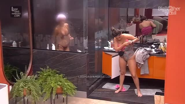 Watch and share Gizelly Bicalho - BBB 28-03-2020 GIFs on Gfycat