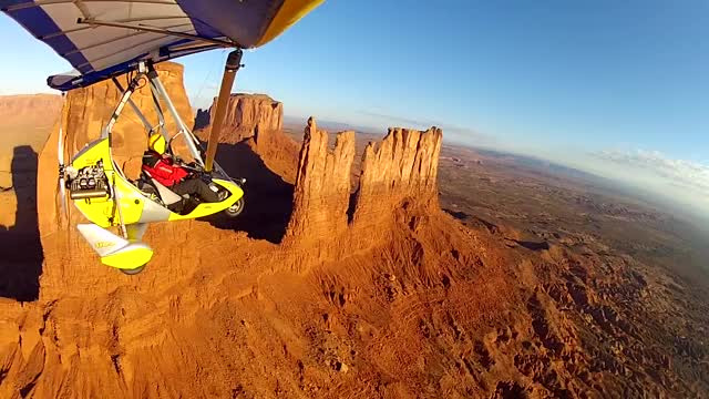 Monument Valley by Ultralight Trikes GIF   Find, Make