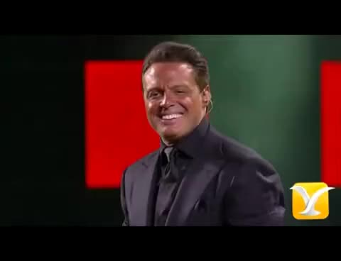 Watch and share Luis Miguel, Festival De Viña 2012 GIFs on Gfycat