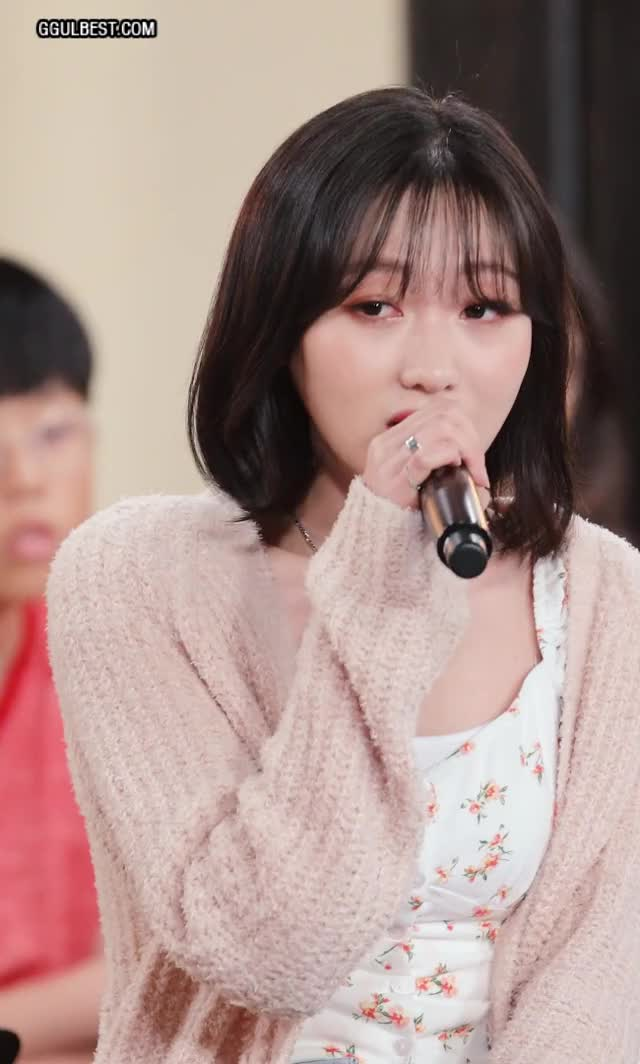 Watch and share Lovelyz (SUJEONG) Live .gif GIFs by 짤티비 JJTV.KR on Gfycat