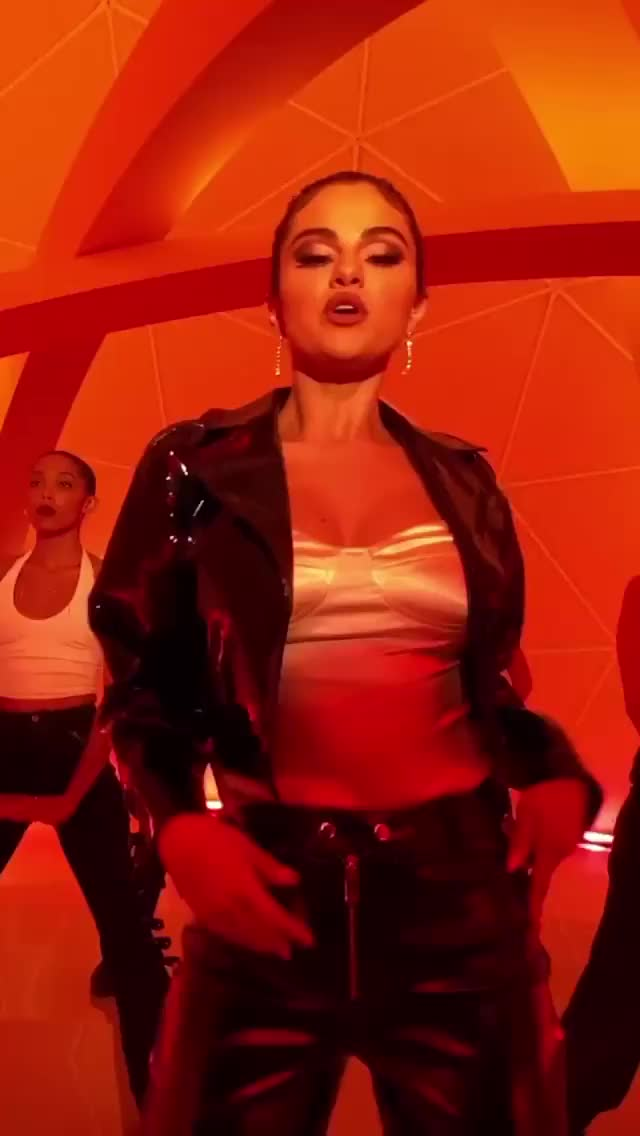 Sexy new music video from Selena Gomez that was shot on her new iPhone 11 :)