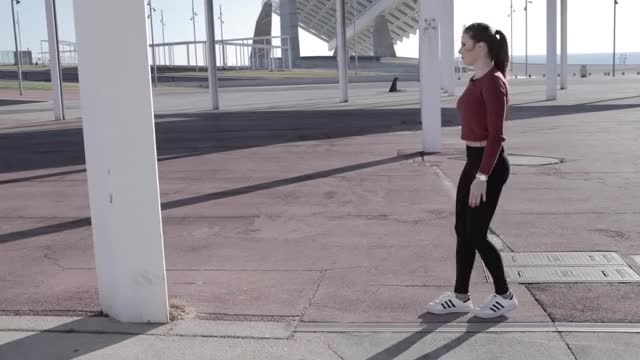 Watch and share Cristiana Mironescu GIFs and Deportes Uncomo GIFs by Park  Youngjin on Gfycat