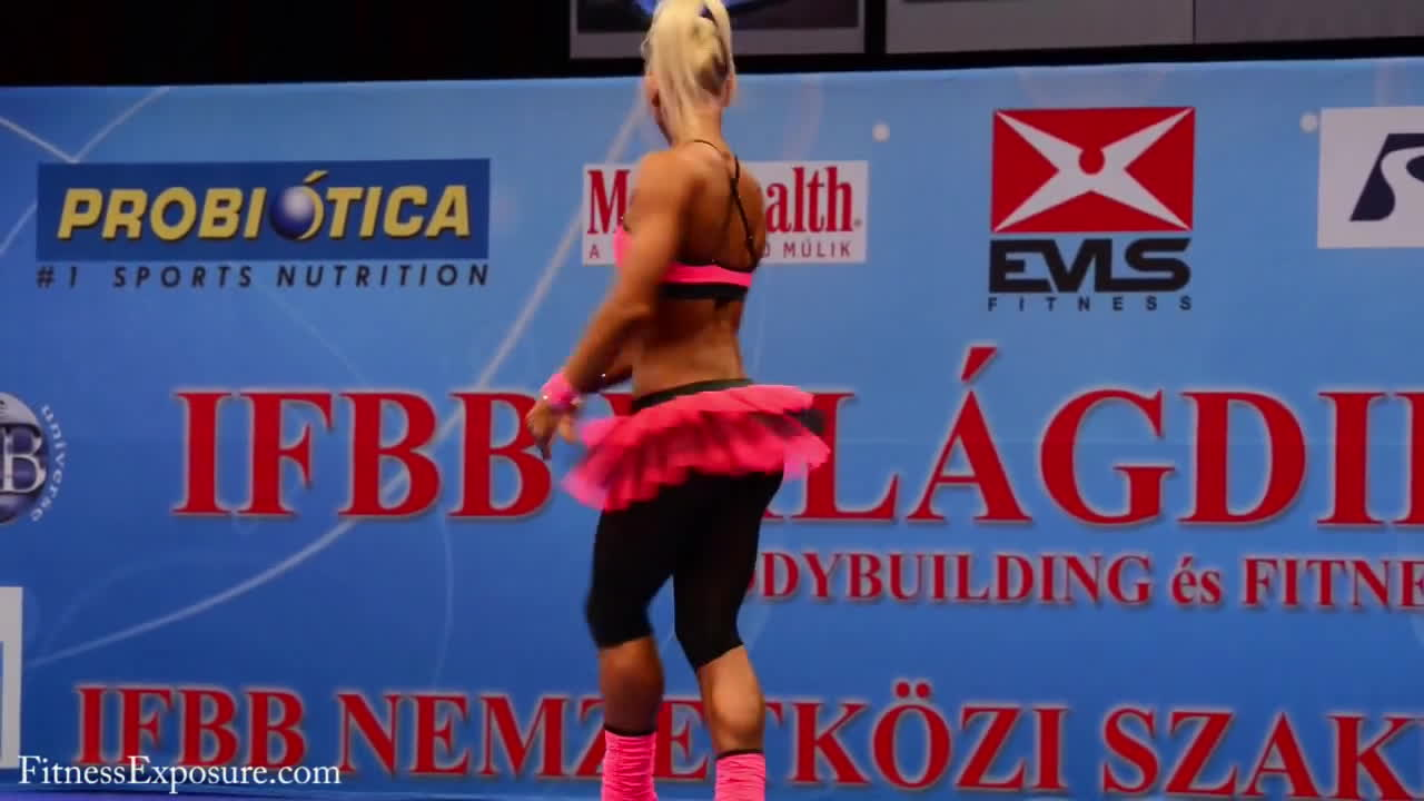 bodybuilding (sport), fitandnatural, ifbb, IFBB World Juniors and Masters Bodybuilding and Fitness Championships 2012 Budapest - Melinda Szabo GIFs