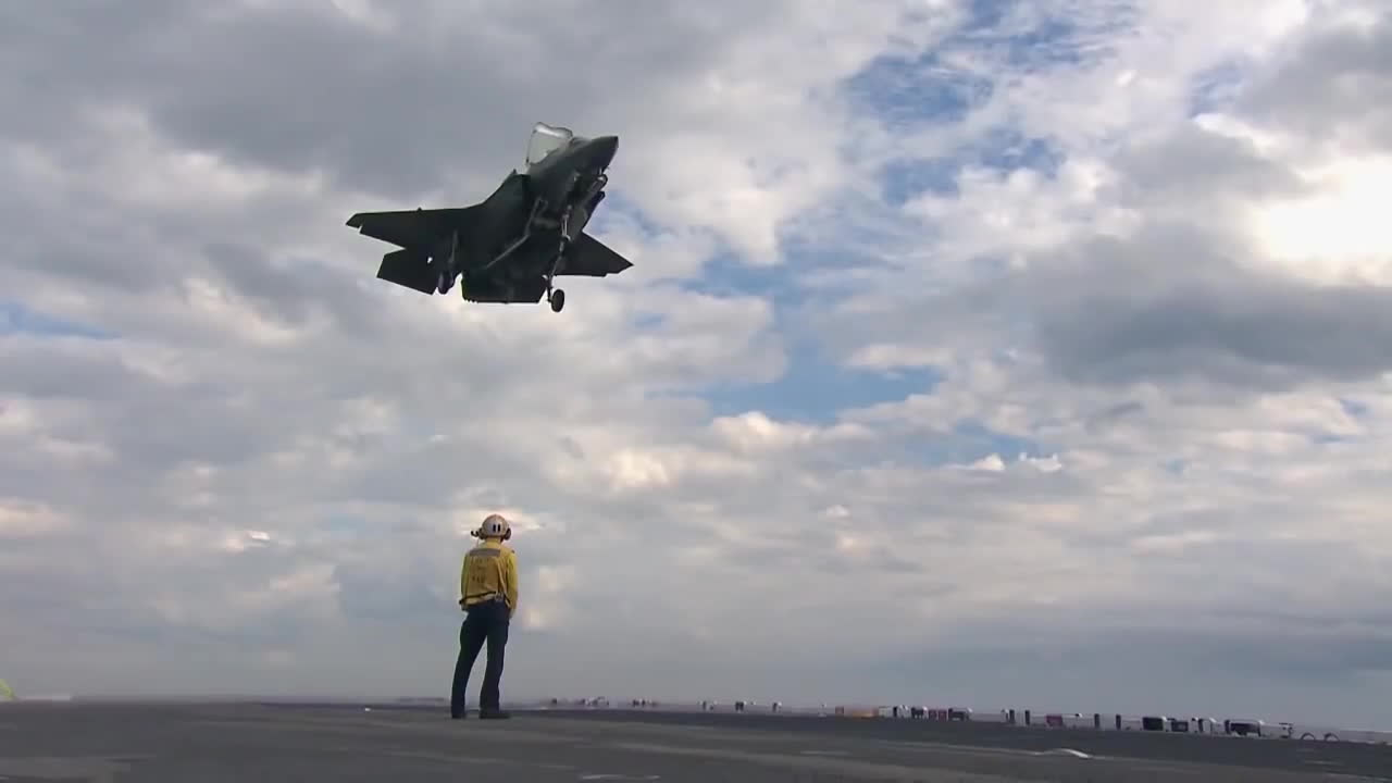 military, Lockheed Martin - F-35B STOVL Stealth Fighter Completed Ship Suitability Test In Oct 2011 [720p] GIFs