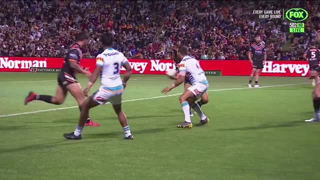 Watch and share Mahe Fonua Try Vs Titans GIFs by Alt on Gfycat