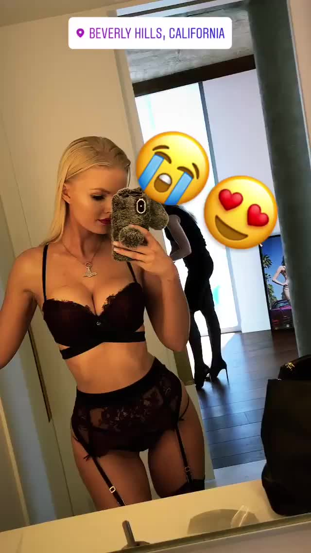 Watch and share Zienna Sonne Williams GIFs and Zienna Eve GIFs on Gfycat