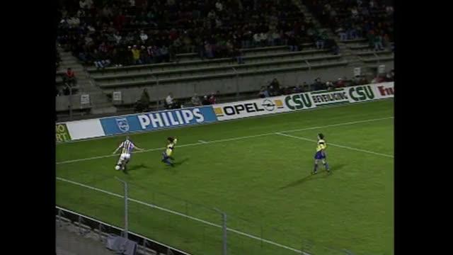 Watch and share Boudewijn Zenden GIFs and Eredivisie GIFs on Gfycat