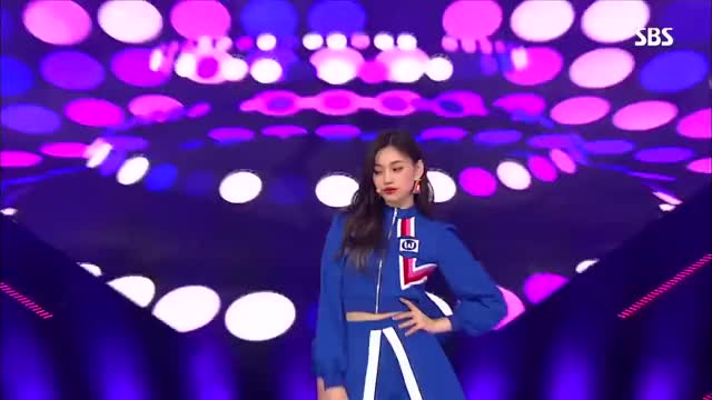 Watch 《EXCITING》 Weki Meki(위키미키) - La La La(라라라) @인기가요 Inkigayo 20180304 GIF on Gfycat. Discover more Ingigayo, Inkigayo EP947, KPOP, Korean Music, Korean Song, Korean Wave, Korean girl group, Korean idols, SBS, SBS Inkigayo GIFs on Gfycat