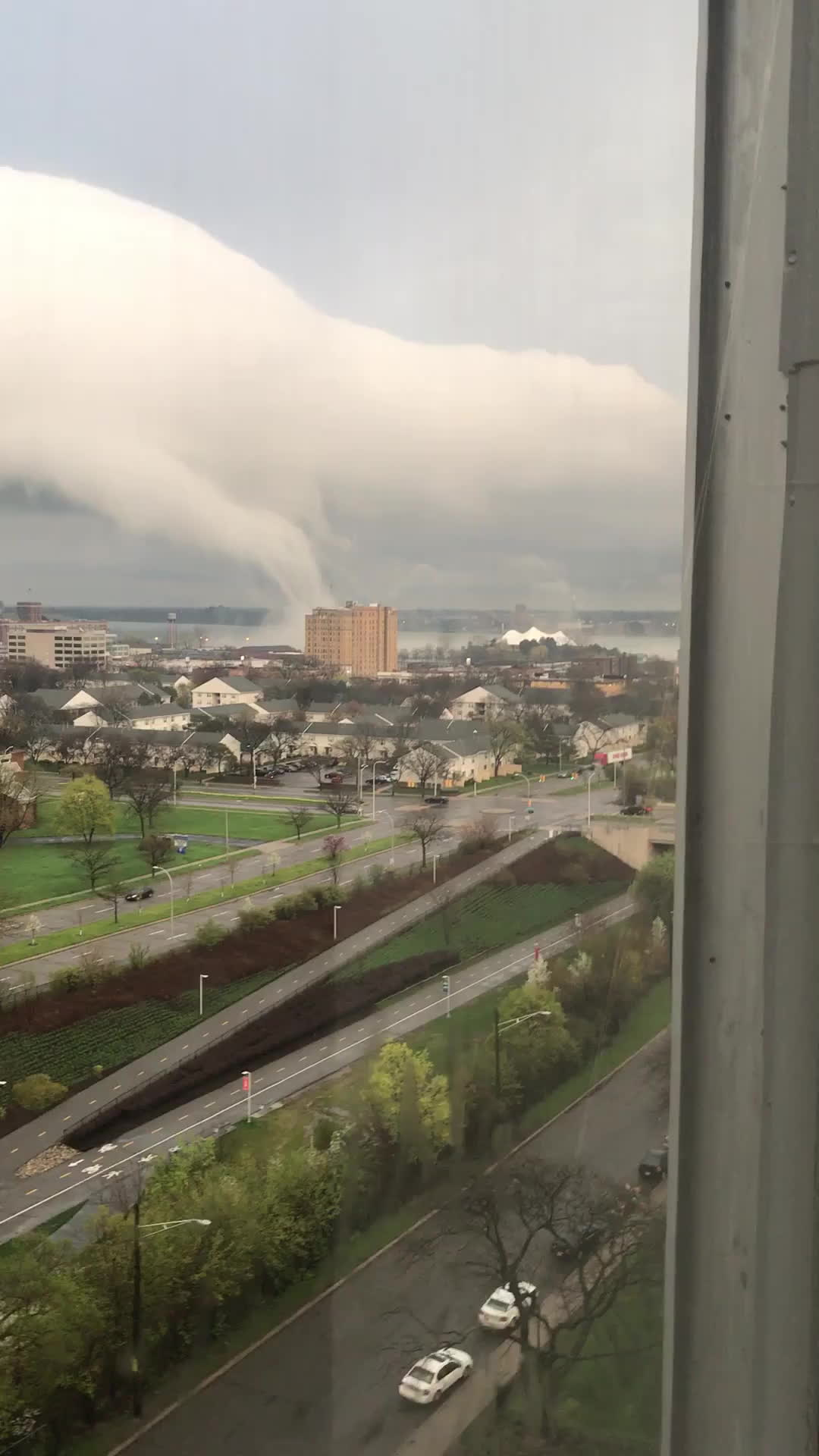 WeatherGifs, Waterspout in Downtown Detroit? GIFs