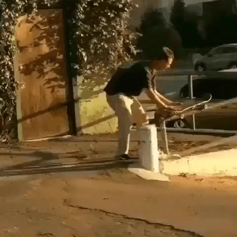 Watch and share Sem Deboche GIFs and Skate GIFs by Sem Deboche on Gfycat
