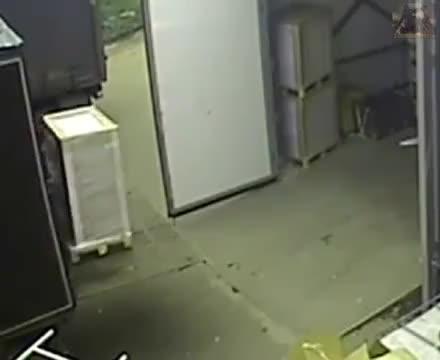 Hubwagen Unfall ! 😂😂😂😂😂😂 GIFs