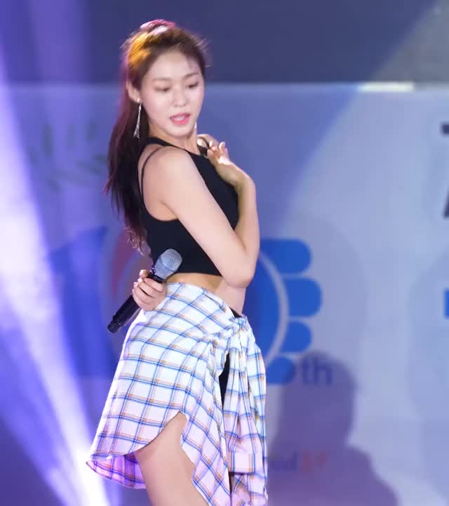 Watch seolhyun GIF by koreaactor (@asurachoi) on Gfycat. Discover more aoa, seolhyun, 설현 GIFs on Gfycat