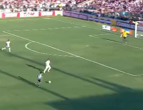 Watch and share Os Gols De Ceará 2 X 2 Cruzeiro - Campeonato Brasileiro 2011 - 27/11/2011 GIFs on Gfycat