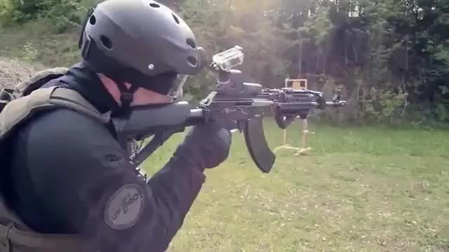 How to reload a gun if you've been shot in the other arm-9ck61dwu5eg31 GIFs