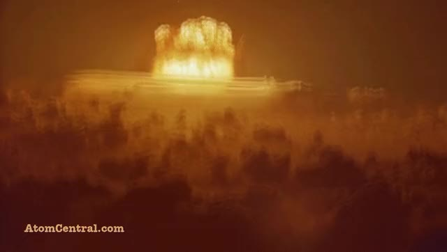 Watch Nuclear explosion at night GIF by @pinesin on Gfycat. Discover more bomb, explosion, nuclear GIFs on Gfycat