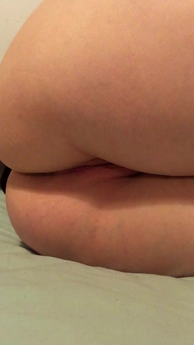 [F]ingering my ass and spreading my pussy