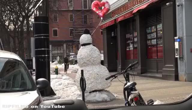 Watch Snowman GIF on Gfycat. Discover more Snowman GIFs on Gfycat