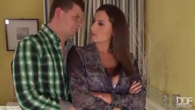 Sensual Jane forgives her man