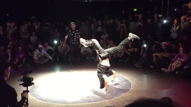 Watch Undisputed 2014 - Lilou vs Issei - Group Stage (DOPE BATTLE) HD 60FPS GIF by Slim Jones (@slimjones123) on Gfycat. Discover more Undisputed bboy lilou issei o2 GIFs on Gfycat