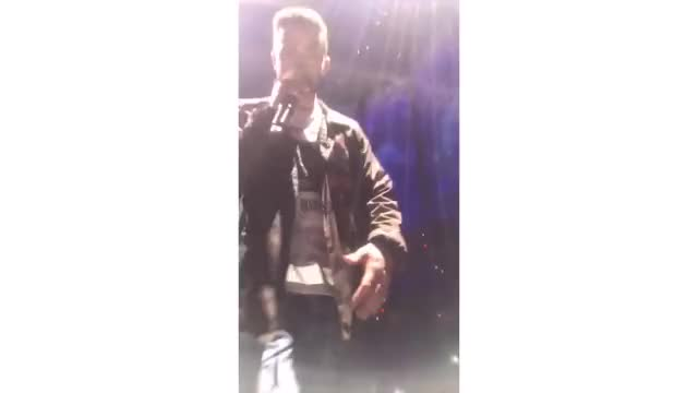 Justin Timberlake and Caitlyn rae 2019 2018 justin timberlake, jt, man of the woods, super bowl, concert, tour, arena, 20/20 experience, nsync, all access, vip, guestlist, backstage, ohio, cleveland, tinder, storytime, vlog, birthday, 19th birthday, party, crazy, funny, fun, girls, loml, one direction, backstreet boys, coachella, present, gift, surprise GIF