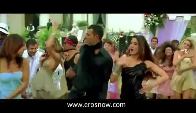 Watch and share Kambakkht Ishq Full Song | Kareena Kapoor, Akshay Kumar GIFs on Gfycat