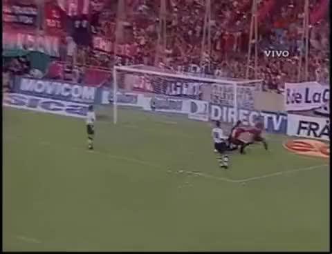 Watch futbol GIF on Gfycat. Discover more Belluschi, Fernando, Gol, Hinchada, Newells, Nunca, Que GIFs on Gfycat